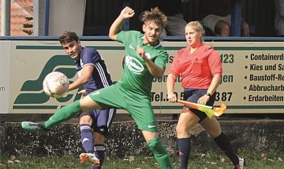 Foto zur Meldung: I.Herren - Kir hält Germania im Spiel beim 3:1-Sieg