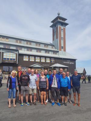 Foto zur Meldung: Langlaufsenioren auf Skiroller-Tour