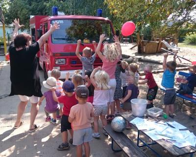 Foto zur Meldung: Heute war die Feuerwehr im Fuchsbau