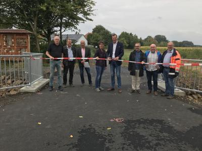 Foto zur Meldung: Brücke über den Walsbach in Loshausen für den Verkehr freigegeben