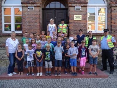 """Foto zur Meldung: Aktion """"Zuckertüte"""" für Sicherheit im Straßenverkehr zum Schuljahresbeginn"""