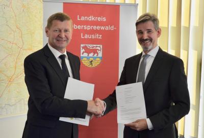 Foto zur Meldung: Kooperationsvereinbarung zur Wirtschaftsförderung unterzeichnet