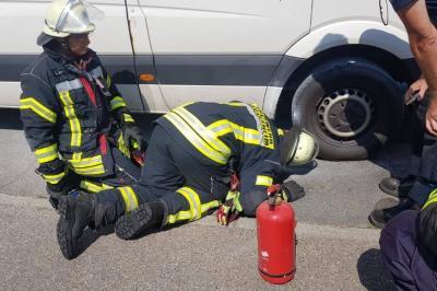Einsatz Nr. 133 - Brandnachschau Feuer eines Lieferwagen Danzigerstraße