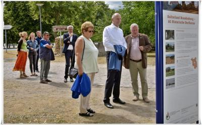 Foto zur Meldung: Ministerpräsident Woidke besucht Neuhardenberg