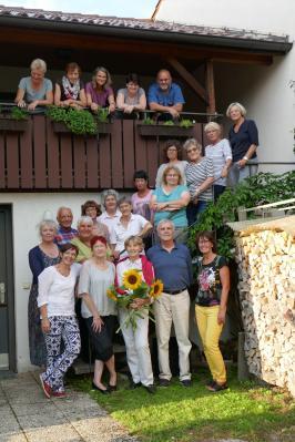 Die Tettnanger  Sterbegleiter*innen im Ehrenamt halten ihren Sommerhock
