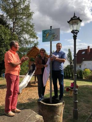 Foto zur Meldung: Taufe des Spielplatzes hinter dem Dorfgemeinschaftshaus