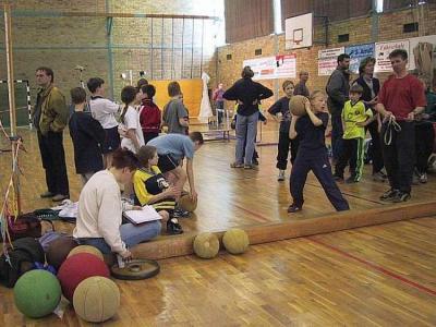 Foto zur Meldung: Nieskyer Hallenmehrkampf 2002