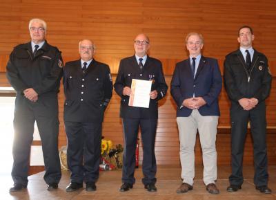 Foto zur Meldung: Wehrleiter Volker Aßmann erhält Deutsches Feuerwehr-Ehrenkreuz