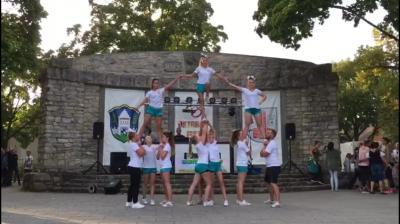 Foto zur Meldung: Cheerleading: Auftritte beim Neuenhagener Oktoberfest