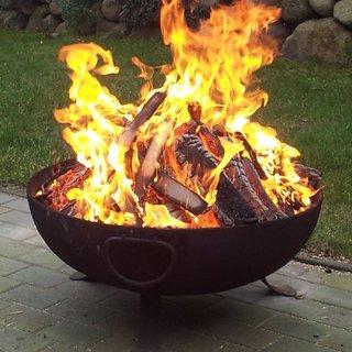 Verbrennen in der Feuerschale / im Feuerkorb