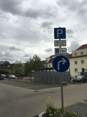 Geänderte Parkzeiten auf dem Besucherparkplatz am Bürgeramt