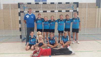 Foto zur Meldung: Handball-Nachwuchs: E-Jugend des HSV 04 mit drei Siegen am ersten Spieltag
