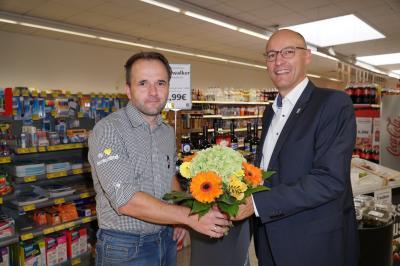 Foto zur Meldung: Glückwünsche zur Übernahme des  Edeka-Frischemarktes in der Innenstadt