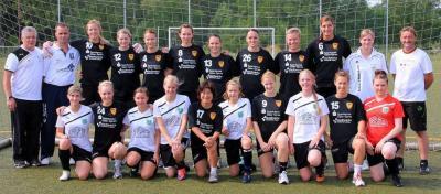 Foto zur Meldung: Freundschaftsspiel der Frauen unserer SG Wiesenau 03 gegen die Handballerinnen des Frankfurt HC