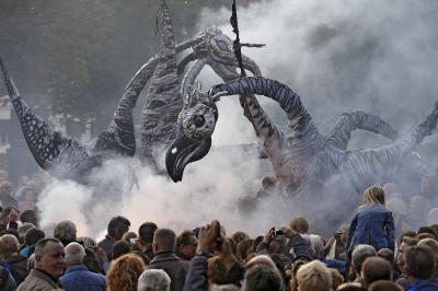 Foto zur Meldung: Die Bärenstadt wird Halloween zur Bühne. Immer mehr Besucher kommen in aufwendig schaurigen Verkleidungen.