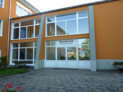 Vorschaubild zur Meldung: Herbstfest in der Grundschule Prausitz