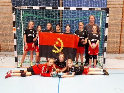 Steiner Handball-Mädchen starten unter Angolanischer Flagge