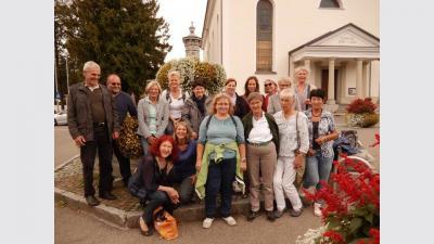 Erleben einen schönen und interessanten Tag in Hittisau: Die Ehrenamtlichen des Tettnanger Hospizvereins. (Foto: Hospizverein)