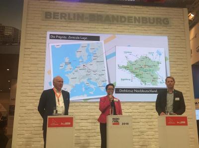 Martin Hahn, Annett Jura und Udo Krollmann (v.r.) werben auf der Expo Real für den Landkreis Prignitz I Foto: Christian Fenske