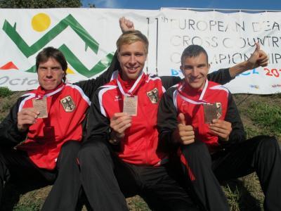 2 Niedersachsen erfolgreich im Crosslauf (Mitte Alexander Bley und re. Sergei Roskop)