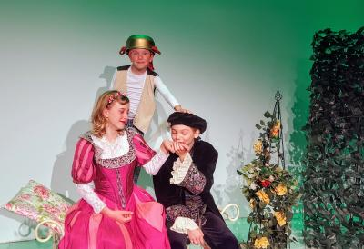 """Foto zur Meldung: """"Dornröschen – ganz schön ausgeschlafen"""" – erfolgreiche Märchenkomödie zieht vom Salzberg auf die Bühne im Theater Zielitz"""
