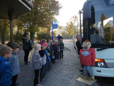 Foto zur Meldung: Auf zur Busschule!