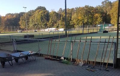 Foto zur Meldung: 27.10. Arbeitseinsatz zur Pflege der Sportanlage
