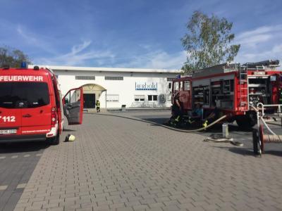 Vorschaubild zur Meldung: Einsatz 137 + 138 - Nachlöscharbeiten Lagerhallenbrand