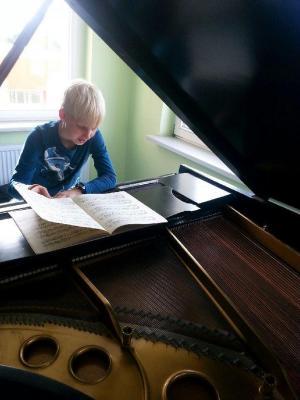 Foto zur Meldung: Schüler beweisen Ausdauer auf ihrem Instrument