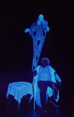 Foto zur Meldung: Gespenster auf der Bühne - Zaubertheater für die ganze Familie in Zielitz