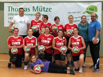 Foto zur Meldung: Fulminanter Start der Volleyballdamen in die neue Saison