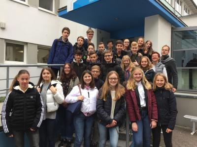 Vorschaubild zur Meldung: Aus der Vergangenheit lernen – in der Gegenwart sich engagieren: Die Klasse 9c zu Gast in der Anne-Frank-Begegnungsstätte in Frankfurt
