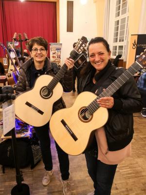 Foto zur Meldung: Gitarrenlehrer auf Weiterbildungstour