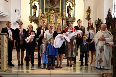 Foto zur Meldung: Drei Kinder wurden getauft