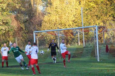 Foto zur Meldung: + + + Fußball Landesliga West 12. Spieltag + + +
