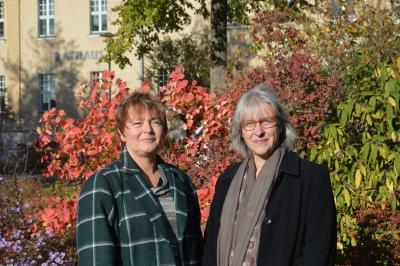 Stehen für Fragen und Anregungen gerne zur Verfügung: 1. Vorsitzende des Beirats für die Teilhabe von Menschen mit Behinderung, Angelika Falkner-Musial (l.), und Christine Plörer, 2. Vorsitzende (r.)
