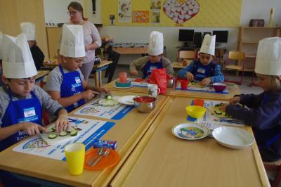 Foto zur Meldung: Projekttag der Edeka-Stiftung: Mehr bewegen – besser essen