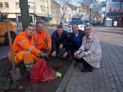 Foto zur Meldung: Pflanzaktion der Gemeinde Holzwickede