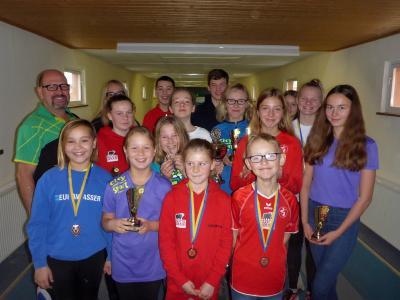 Foto zur Meldung: Erste Vereinsmeisterschaft der Kinder und Jugendlichen im Kegeln