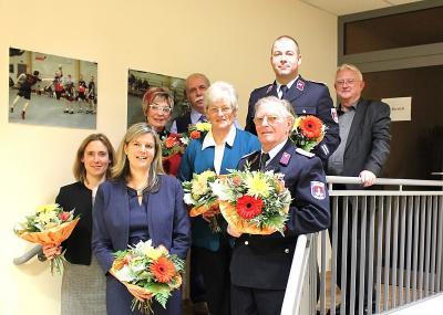 Ehrung fürs Ehrenamt für Astrid Gensheimer, Silke Fleischer, Brigitte Schumann, Ulrich Meißner, Marlies Lipfert, Roland Buchheim und Ulf Kendschek mit dem Bürgermeister Volker Zocher (v.l.n.r.)