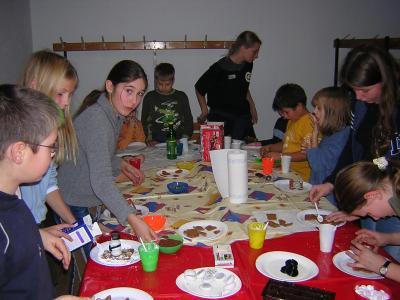 Foto zur Meldung: Weihnachtsbasteln mit der Jugendabteilung