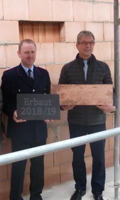 Foto zur Meldung: Richtfest beim Neubau des Feuerwehrgerätehauses in Wahrstedt gefeiert
