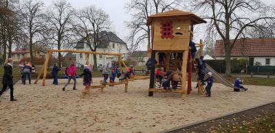 Eröffnung des neuen öffentlichen Spielplatzes in Sommerfeld