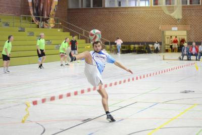 Jakob Held, Schlagmann der zweiten Moosburger Mannschaft, die aktuell die Bayernliga-Tabelle verlustpunktfrei anführt