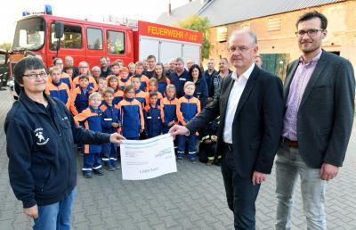 Vorschaubild zur Meldung: Südzucker AG unterstützt die Jugendfeuerwehr der Stadt Mühlberg/Elbe