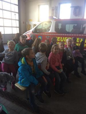 Foto zur Meldung: Weltvorlesetag bei der Feuerwehr!?