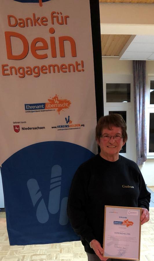 Vorschaubild zur Meldung: Ehrenamt überrascht: Ehrung in Wachenhausen