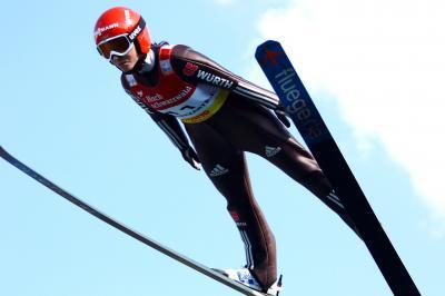 Ramona Straub springt auf Rang sechs und erfüllt WM-Norm - Foto: Joachim Hahne / johapress