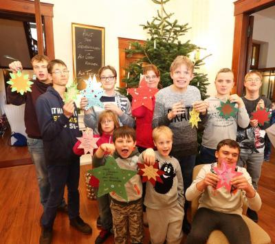 Vorschaubild zur Meldung: Elf Wunschsterne warten auf den Weihnachtsmann