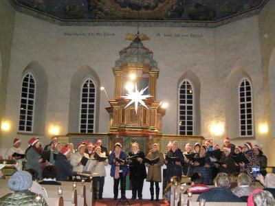 Vorschaubild zur Meldung: Chor und Solisten in Iftaer Kirche